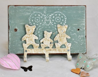 Shabby Chic - Teddy Bear - Wall Plaque - Key - Jewellery - Hair Accessory Holder