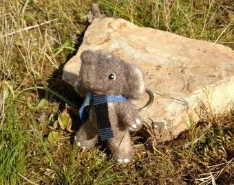 Needle felted elephant pendant, felt figure, Filztier to hanging, miniature, needle felted elephant, souvenir, Africa, African, soft