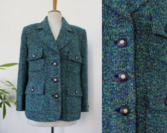 Blazer / suit jacket in multicolor, blue, green boucle tweed / Made in France / women / Vintage / light / french / Fr 42/44 XL