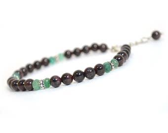 Bracelet of garnet and emeralds.Bracelet natural stones.Men's bracelet.Women's bracelet.Protective amulet.Talisman.Gift.Beautiful bracelet