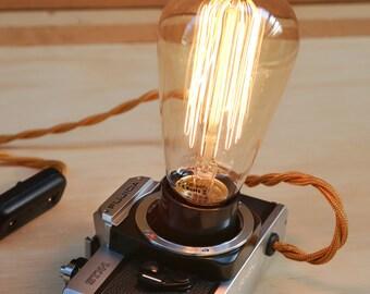 Edison Lamp Reflex Camera Vintage Style