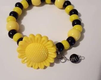 Yellow and Black pony bead stretch bracelet/Chunky beads sunflower charm bracelet