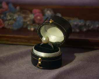 1920s platinum and pearl ring, size US 4