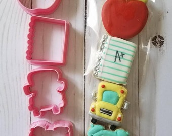 Notebook paper cookie cutter