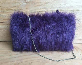 Purple Faux Fur Shoulder Bag / Faux Fur Evening Bag BARGANZA sorpresa!