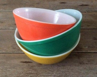 Vintage PYREX Bowls - Primary Colours / Green, Yellow, Orange / Retro