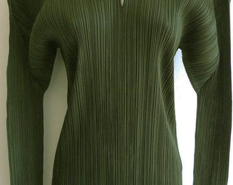 Pleats Please Issey Miyake mid-90s dark forest green pleated top with collar