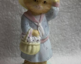Hallmark Kitty in a Dress with Hat and Basket (#066)