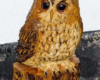 Large Tawny owl chainsaw carving