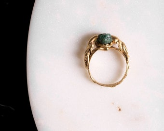 Emerald rough ring. Gold-plated. Single piece. Chic