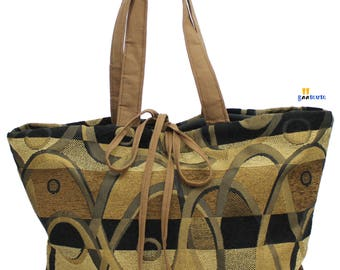 GM Classic Tote- 11 inches deep, Top 20 inches wide, Bottom 13 inches wide
