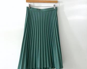 1940s VTG Sage Green Accordion Skirt M