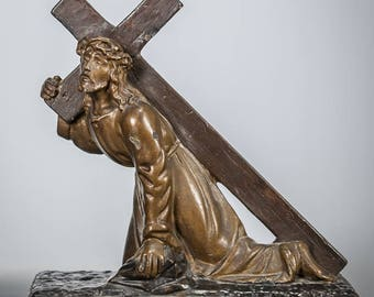 Magnificent Christ Carrying the Cross Antique Plaster Statue Our Lord Jesus