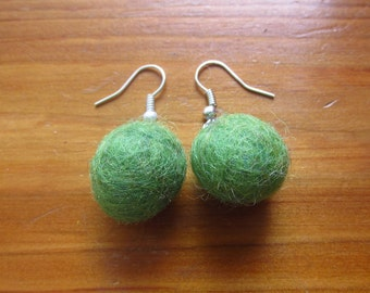 Felt ball earrings
