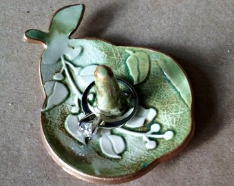 Ceramic Ring Holder Pear edged in gold Moss Green