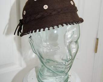 Vintage 1940's Womans Brown Felt Hat by Nuemann Endler