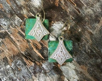 Vertigris Patina Tag & White Frosted Art Deco layered earrings