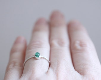 Emerald ring. Sterling silver ring with Emerald. Green emerald, silver Emerald ring, natural Emerald, engagement ring, stacking ring.