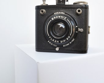 Kodak Brownie Flash Six-20 Camera - WORKS!