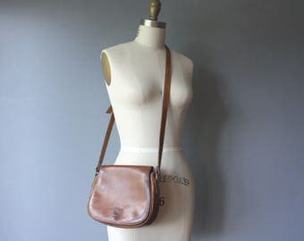 vintage brown leather purse / cross body saddle purse / small purse