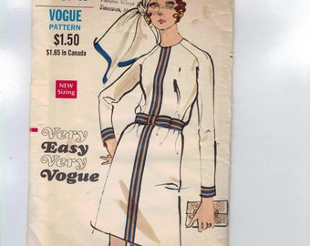 1970s Vintage Sewing Pattern Vogue 7716 Misses Easy Mod A Line Raglan Sleeve Dress Size 12 Bust 34 70s