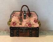 Blythe Doll Carpetbag Trunk Suitcase