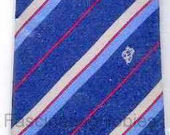 Collectible MICHELIN Mint Silk TIE, front  BIBENDUM Logo, back Label Michelin -1980 - Navy blue striped red,color gradient from blue to grey