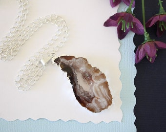 Geode Necklace Silver, Crystal Necklace, Geode Agate Slice, Boho Jewelry, Druzy Pendant, Natural Geode, GS90