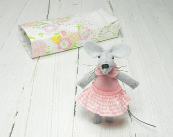 Baby welcoming gift felt mouse felted rat stuff felt animal plushy kids birthday gift tiny miniature hand made doll felt doll kids room