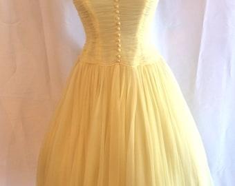 Stunning 1950s Yellow Chiffon Princess Party Prom Dress