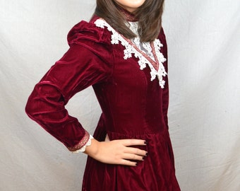 Vintage Gunne Sax 80s 1980s Red Maroon Lace Velvet Peasant Prairie Calico Trim Dress
