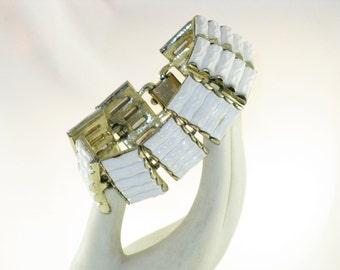 Vintage Coro Pegasus White Thermoset Panel Link Bracelet (BR-1-5)