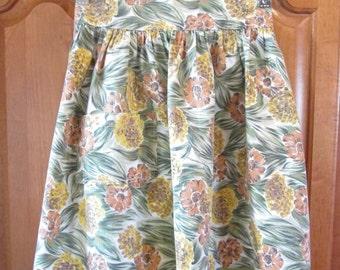 Vintage Handmade Apron Barkcloth Look Floral Print with Pocket