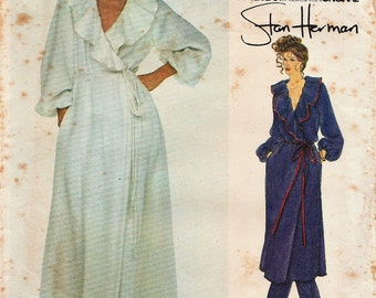 Very Easy Vogue 2039 / Vintage Designer Sewing Pattern By Stan Herman / Robe And Pants / Size 10