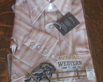 Vintage 1970s Men's Western Shirt in Original Package, Medium 15 1/2, Form Fit Long Tail, Pearl Buttons