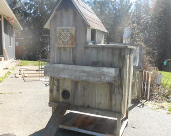 Cat House, outdoor cat home, 3 stories, reclaimed barn wood , PICK UP ONLY Washington State Tawnystreasures