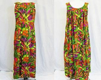 1970's Hawaiian Maxi Dress Gown Floral Multi Colored Size Small-Large Vintage Retro 70's Jebbi Lua Islands Aloha Classic