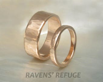 14k rose gold rings / hammered wedding band set with beveled edges, 2.5mm and 7mm wide