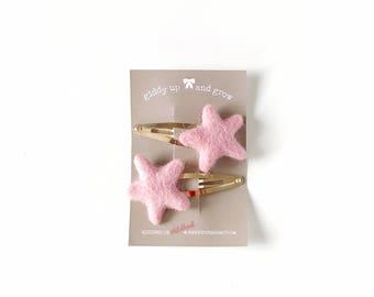 Felt Hair Clip Stars in the color Carnation Pink, hair bows for girls, giddyupandgrow