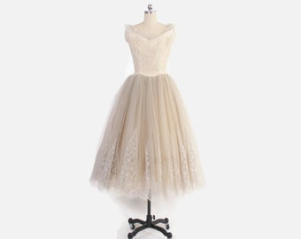 Vintage 50s Ivory DRESS / 1950s Ecru Lace & Tulle Full Skirt Tea Length Bridal Wedding Gown S