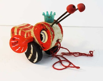 Rare Red Queen Buzzy Bee Pull Toy by Fisher Price