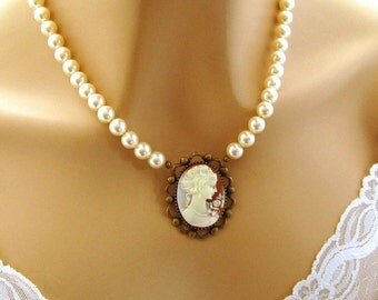 Victorian Woman Cameo Pearl Necklace, Victorian Peach Cameo Necklace, Single Strand Pearl Necklace, Cameo Jewelry, Romantic Pearl Jewelry