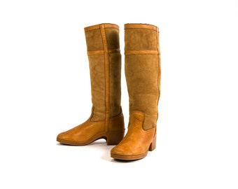 Vintage 70's Shearling Lined Leather Campus Boots / 1970's BASS Knee High Tall Hippie Retro Boho Women's Shoes Winter Boots Size 9 USA