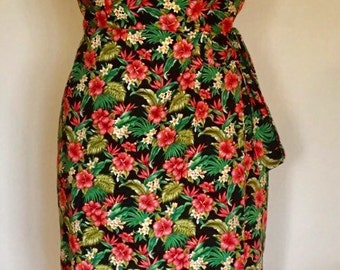 Vintage 1950s inspired Hawaiian sarong halter wiggle dress in a pretty hibiscus flower print S VLV rockabilly Viva