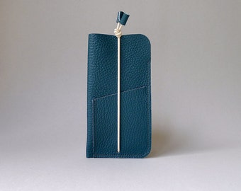 Phone cover with card slot - dark petrol leather & ecru elastic strap - iPhone 6 / iPhone SE