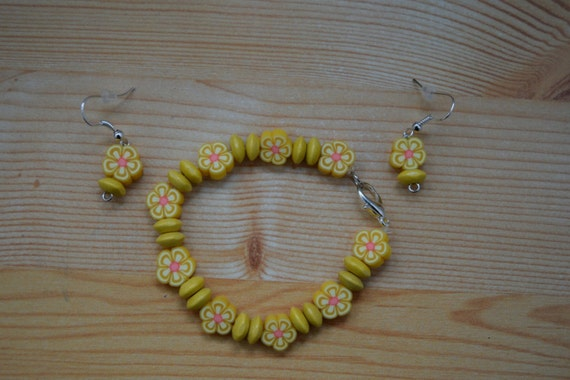 Girls set,girls bracelet,girls earrings,flowers bracelet,yellow bangle,girls jewelry set,girl bracelet,girl earrings,girls elastic bangle