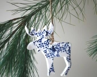 Porcelain Moose ornament / artetmanufacture/ Orignal en porcelaine