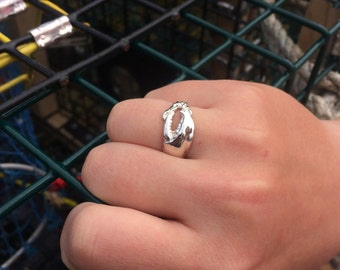 Maine Lobster Ring in Gold or Silver