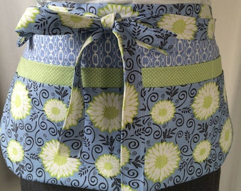 Utility Apron/Teacher Apron with 8 pockets and loop in periwinkle blue green white floral pattern