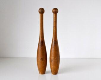 Pair of A.G. Spalding & Bros Wood Juggling Pins 1lb